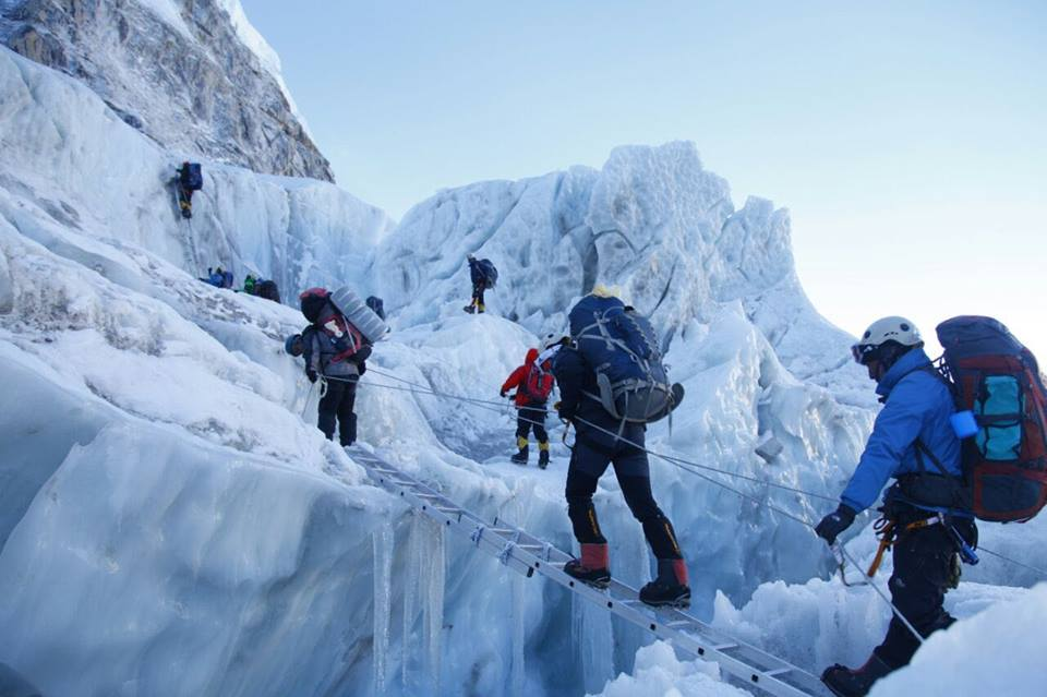 Indian Army Mountaineers Successfully Scale Mount Everest