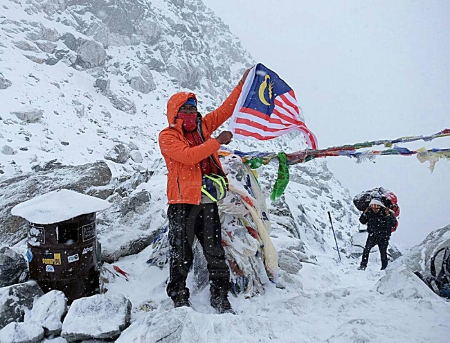 50 Year Old Solo National Climber Climbs Six Peaks of Himalayas