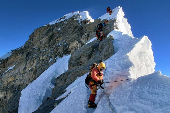 Mount Everest�s Famous Feature, Hillary Step Collapsed