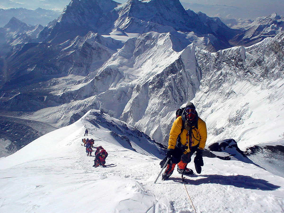 This Season Of Mount Everest Climbing Has Been Getting Worse With 6 Deaths So Far