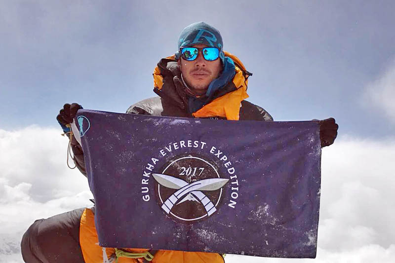 A Gurkha Soldier Scales Three 8000+ Peaks Including Mt. Everest In Just 5 Days!