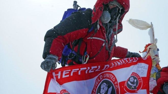 After Getting Diagnosed With Terminal Cancer, Patient Climbs Mount Everest!