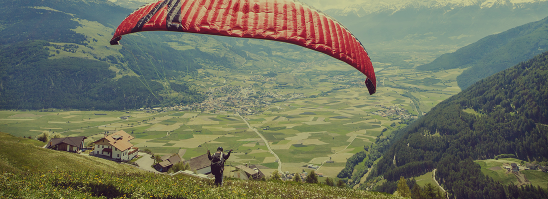 Paragliding in Bhimtal valley