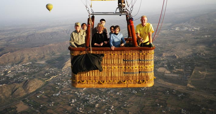 hot air baloon in ranthambore