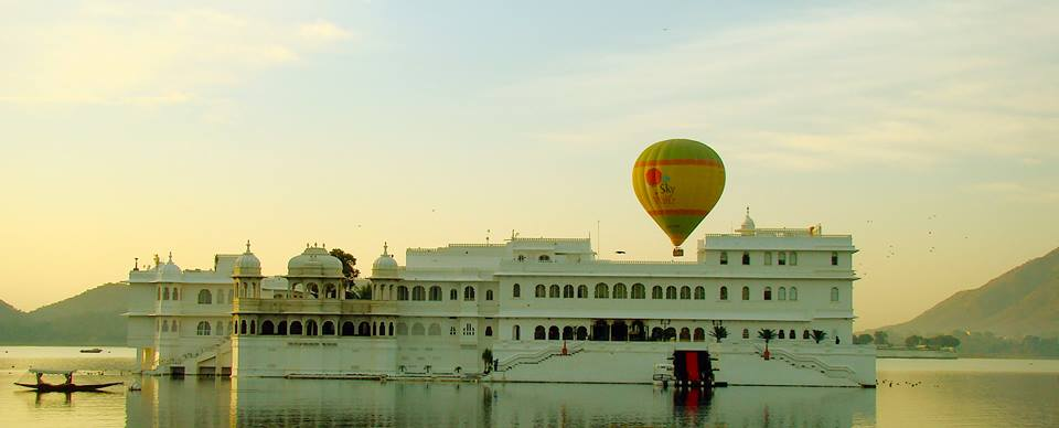 hot air baloon in udaipur