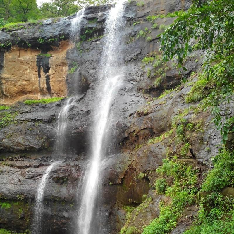 dudhiware-waterfall-rappelling-lonavala