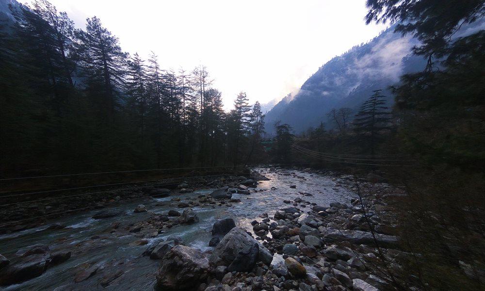 Kasol KhirGanga Trekking