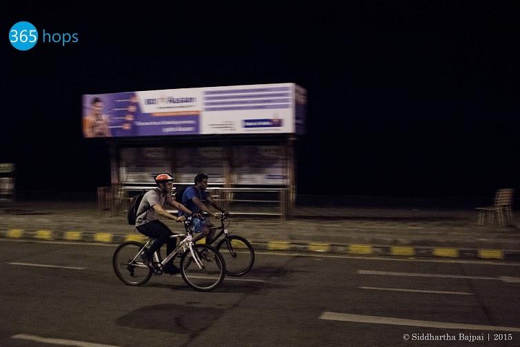 Midnight-Cycling-at-Mumbai