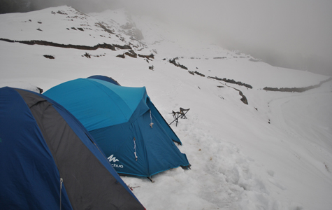 snowfal and camping nag tibba trek