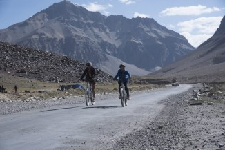 manali to leh cycling