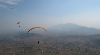 One-Day-Paragliding-tours-with-Mumbai-Travellers-720x404