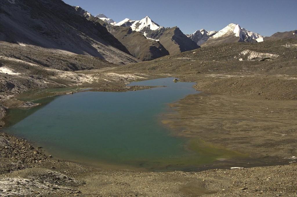 1200px-Lake-on-shingo-la