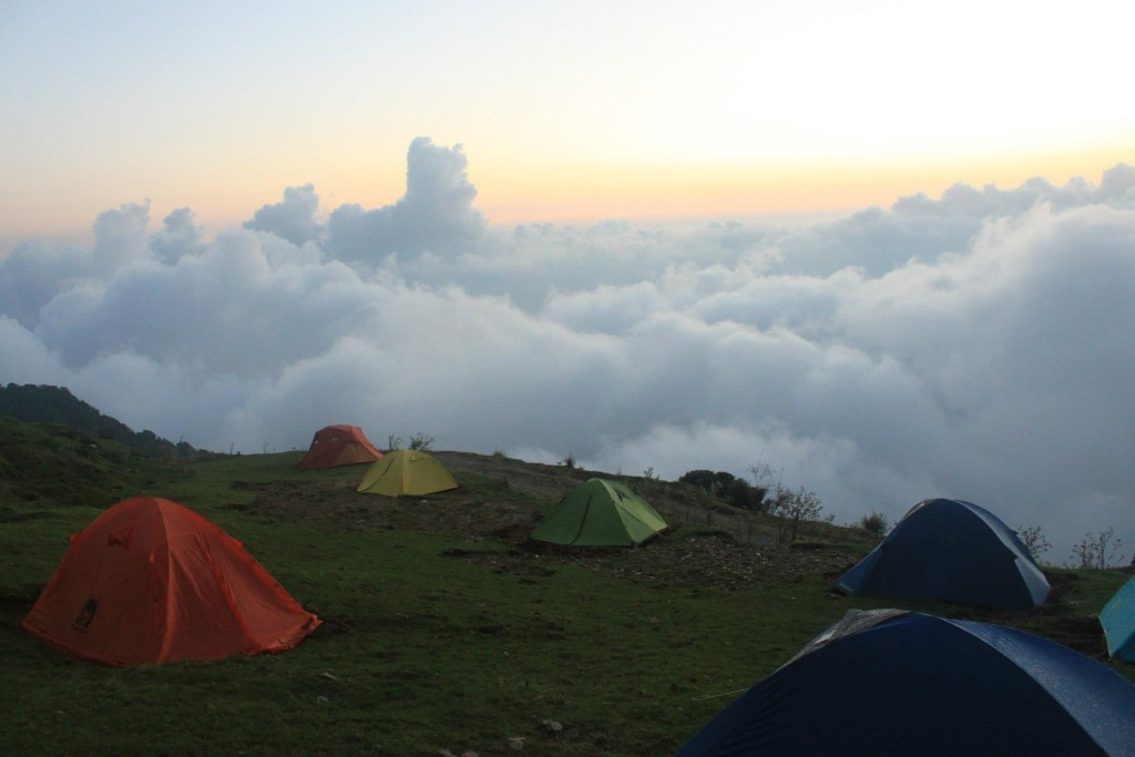 Paragliding in Bir Billing Camp