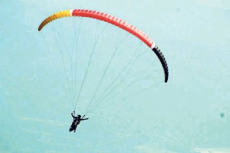 Paragliding-photo