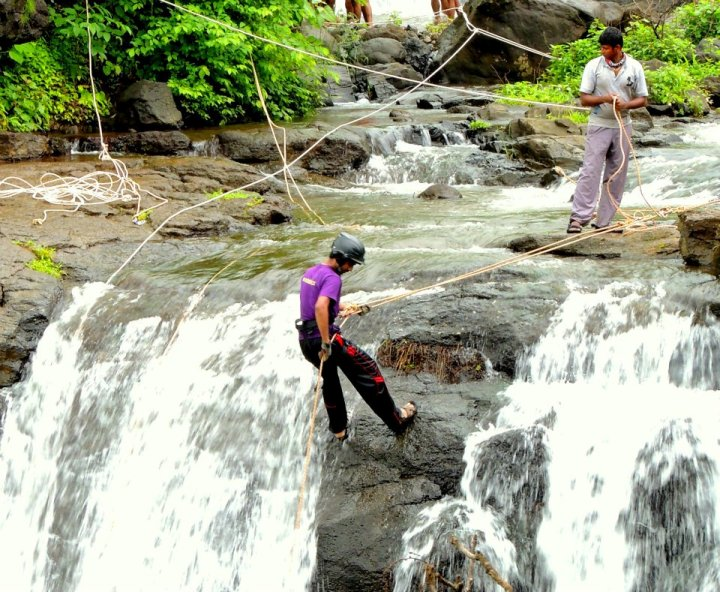 Waterfall-Rappelling-at-Bhekare-With-Mumbai-Travellers