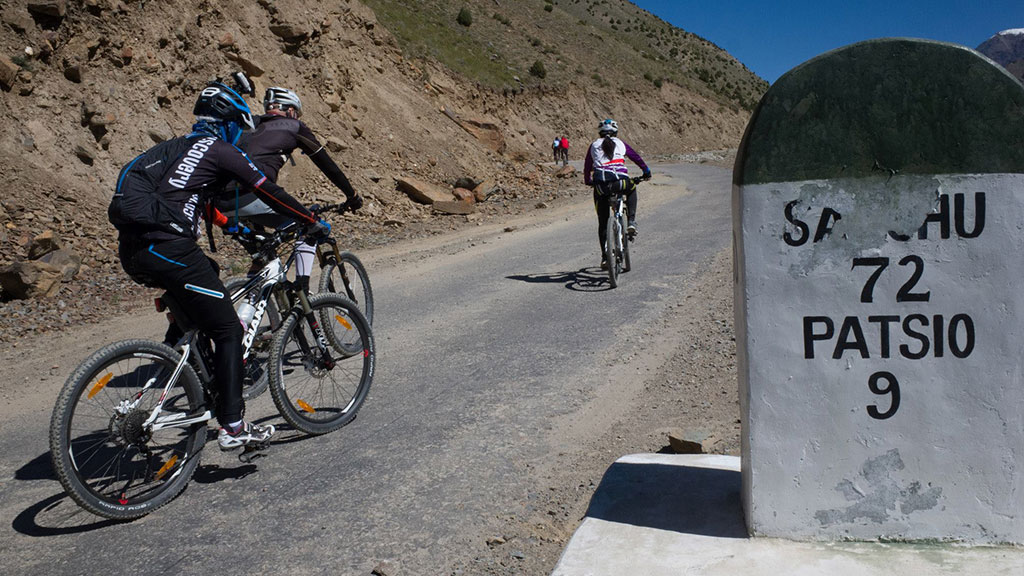 ladakh cycling expedition