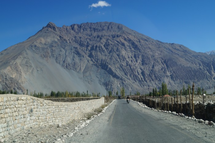 leh ladakh road trip bike