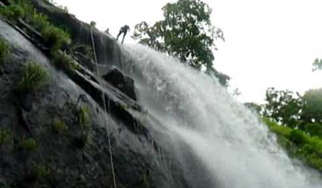 Pali Waterfall Rappelling