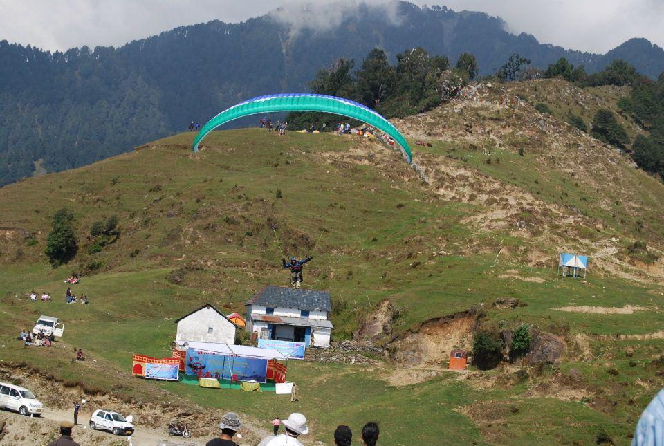 Paragliding in Bir