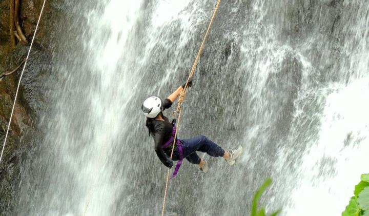 the process of rappelling